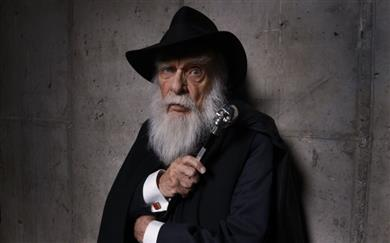 Poslovil se je James Randi